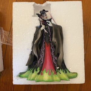 DISNEY Showcase Maleficent Masquerade Figurine NIB